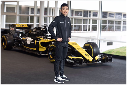探访雷诺F1基地 赛车新秀叶一飞成长经历