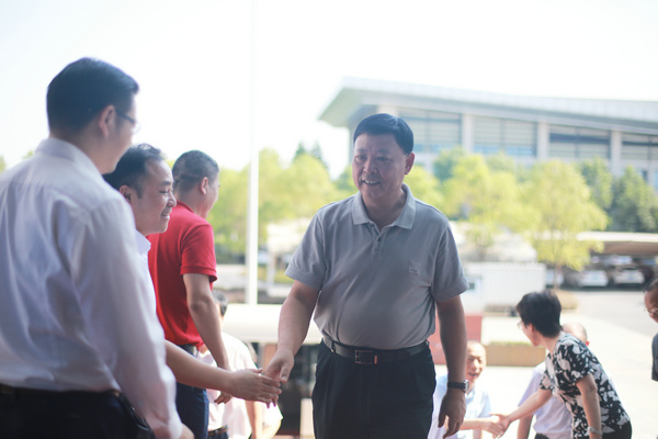 鷹潭市委書記郭安、市長于秀明攜市委市政府領導班子成員 蒞臨微債科技調研指導工作